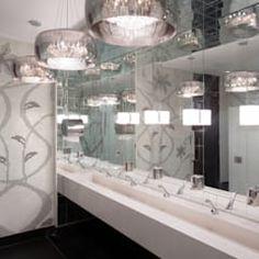 Bagno in stile in stile Moderno di Espaço Tania Chueke