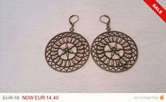 Ancient Bronze Fortune Wheel Pendant Earrings Rustic Shabby Chic Boho Jewelry - Famous Last Words Shabby Chic Crafts, Rustic Shabby Chic, Bride Earrings, Shabby Chic Baby Shower, Bronze, Wheel Of Fortune, Diy Schmuck, Boho Diy, Pendant Earrings