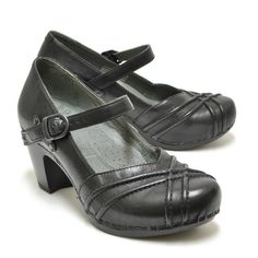 Dansko Reeny :: Comfort :: Women's Shoes :: Imelda's Shoes and Louie's Shoes for Men
