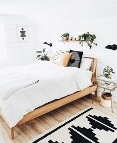 Bohemian Minimalist with Urban Outfiters Bedroom Ideas Bohemia. - Bohemian Minimalist with Urban Outfiters Bedroom Ideas Bohemian bedroom ideas are - Master Bedroom Design, Home Decor Bedroom, Bedroom Furniture, Bedroom Inspo, Bedroom Designs, Bedroom Inspiration, Bedroom Apartment, Bedroom Wall, Airy Bedroom