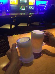 Quando você e sua amiga ficam viciadas no Happy Hour do Outback e literalmente saem do trabalho para beber lá! Novembro é meu mês S2