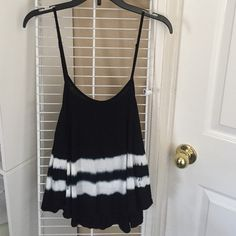 Black & White Tie Dye Tank Top Never been worn and in perfect condition (: super soft! Heart Hips Tops Tank Tops