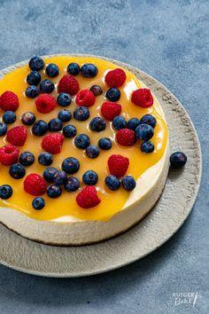 Lemon curd cheesecake recept | Rutgerbakt.nl Bake My Cake, Pie Cake, Lemond Curd, Lemon Curd Cheesecake, Cake Cookies, Sweet Tooth, Good Food, Cooking Recipes, Favorite Recipes