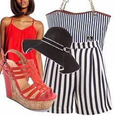 Righe, righe che richiamano l'estate e la bella stagione. Pantaloncini ampi a righe bianche e blu, abbinati alla borsa e al cappello a falda larga. Per spezzare top con doppio volant color rosso e super zeppe in tinta.