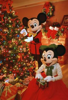 Santa and Mickey Mouse | Fan Stories