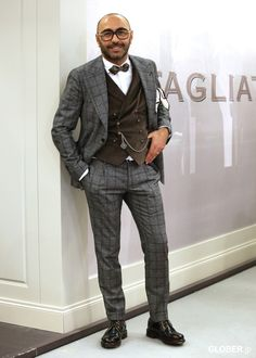 tagliatore  Mr.Pino Lerario Dapper Suits, Dapper Men, Mens Suits, Old Man Fashion, Suit Fashion, Mens Fashion, Dapper Gentleman, Gentleman Style, Business Casual Men