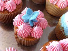 cupcakes de buttercream de fresa