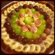 Homemade fruit tart - Crostata uva, fichi e banane