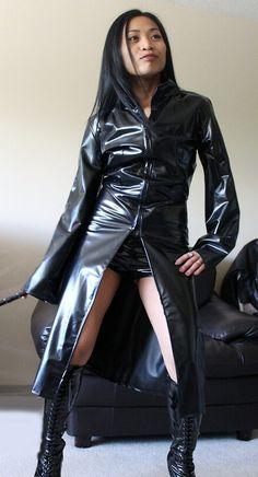 Vinyl Raincoat, Plastic Raincoat, Asian Woman, Asian Girl, Black Raincoat, Dress Attire, Latex Dress, Sexy Latex, Latex Girls