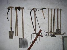 Granada, Miniture Things, Decoration, Wardrobe Rack, Ideas Para, Garden Tools, Scrapbook, Furniture, Google