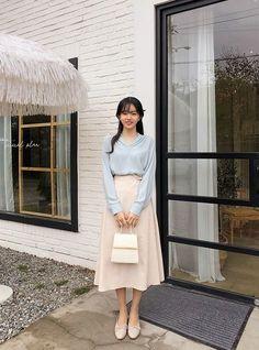 [CHUU] Side Tie Knot Skirt - I know you wanna kiss me. Thank you for visiting CHUU. Korean Fashion Dress, Korean Street Fashion, Ulzzang Fashion, Korea Fashion, Asian Fashion, Modest Fashion, Look Fashion, Skirt Fashion, Fashion Outfits