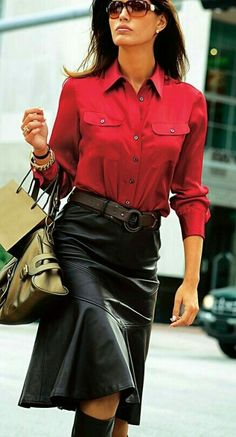 Flared black leather midi skirt outfit