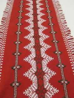 Christmas table runner. Love the finish on the edging. Beautiful example of Swedish weaving also known as huck embroidery.