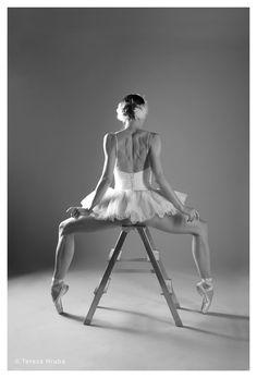 Michaela Tsepeleva #dancer #ballet  #ballerina #swan