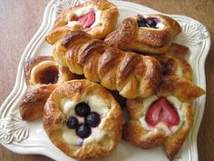 Sourdough Danish Pastries Recipe & How to Fold Them The first part of the series is how to make the sourdough pastry dough recipe. Part two and three Pastry Dough Recipe, Pastry Recipes, Danish Recipes, Meal Recipes, Sweet Recipes, Cake Recipes, Sweet Pastries, Danish Pastries, Sourdough Recipes