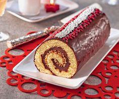 Cette belle bûche donne envie de planter ses crocs dedans ! Un biscuit moelleux, une crème au chocolat et du pralin, pour un résultat savoureux.