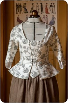 reproduction of century caraco - Damen Bekleidung 18th Century Dress, 18th Century Costume, 18th Century Clothing, 18th Century Fashion, Jackets For Women, Clothes For Women, Historical Clothing, Fashion History, Clothing Patterns