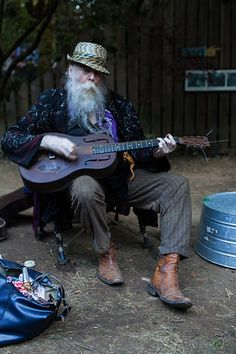 wicksakit:    Oregon Country Fair 2012  Baby Gramps