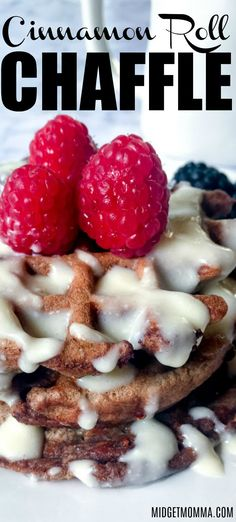 These Cinnamon Roll Keto Waffles have the perfect balance of cinnamon and sweet.Cinnamon Roll Keto Chaffles make a tasty breakfast or dessert! Low Carb Sweets, Low Carb Desserts, Low Carb Recipes, Diet Recipes, Protein Recipes, Diet Tips, I Have Breakfast, Keto Diet Breakfast, Breakfast Recipes
