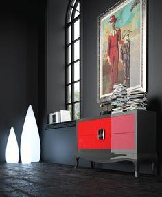 Con acabados oscuros, este aparador moderno con las primeras calidades del mercado hará que guardar tus objetos personales sea fácil y original. Si tienes alguna duda en la que te podamos ayudar, consulta con nosotros en nuestra tienda de muebles modernos en Madrid.
