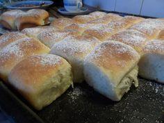 Honzovy buchty: makovo-povidlová klasika – Hobbymanie.tv Bread, Tv, Food, Brot, Television Set, Essen, Baking, Meals, Breads