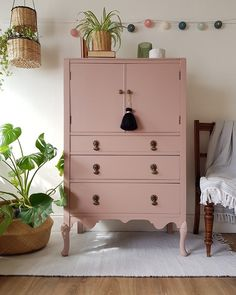 Vintage chest of drawers Annie Compean.loveday painted this chest of drawers in Frenchic's 'Dusky Bl Pink Chest Of Drawers, Chest Of Drawers Upcycle, Chest Of Drawers Makeover, Pink Dresser, Cupboard Makeover, Tall Drawers, Tallboy Chest Of Drawers, Bedroom Chest Of Drawers, Bedside Chest