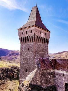 The Charming Corvin Castle – romania – Chique Romania Gothic Castle, Hammered Dulcimer, Medieval Music, Palaces, Tower Bridge, Romania, Touring, Castles, Entrance