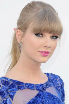 Beautiful bangs icon: Taylor Swift, 2013