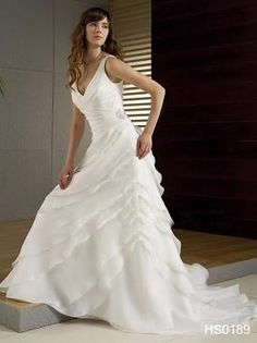 Splendide Robe de mariée doccasion avec grosse fleur amovible