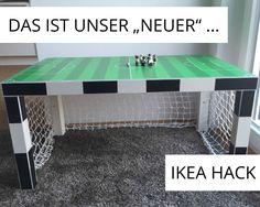 Hier erfahrt ihr, wie ihr aus einem IKEA LACK Tisch ganz einfach ein dekoratives Tor mit Spielfeld für ein neues Fußballzimmer bastelt. Nicht verpassen!