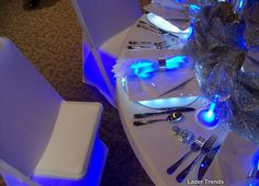 8 Glow in the Dark Party Theme Ideas - Glow Stick Table Decorations from Pink Martinis & Pearls - mazelmoments.com