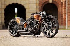 Production-R Motorcycle by Thunder Bike – Fubiz™