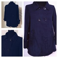 ⭐️LIKE NEW! GAP Spring Jacket Jacket is in perfect condition. Cute green trim on the interior. 100% cotton. Color is Navy GAP Jackets & Coats