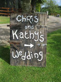 Hand painted stable door, outdoor wedding decor. Courtesy of www.moodeventdecoration.co.uk