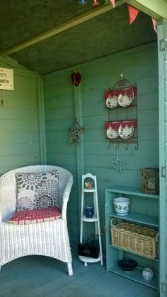 37 Trendy Garden Shed Colours Shabby Chic Shabby Chic Interiors, Shabby Chic Homes, Shabby Chic Style, Shabby Chic Furniture, Colorful Interiors, Garden Shed Interiors, Summer House Interiors, French Interior Design, Apartment Interior Design