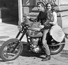 Henri Winkler alias Fonzie en moto Triumph