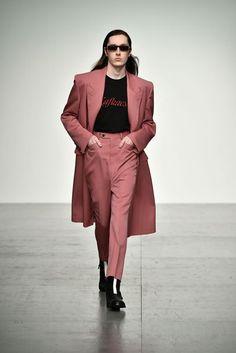 John Lawrence Sullivan Spring/Summer 2018 Menswear Collection | British Vogue