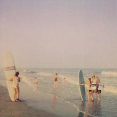 surfing polaroid  pinned this because of the polaroid!