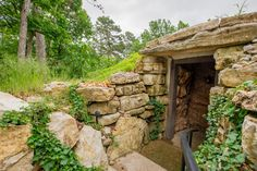Eureka Springs Hobbit Caves Haven't been here either!  Guess I need to stay outta the shops!