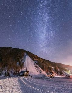 Iron Mountain Michigan, Jumping Pictures, Olympic Venues, Ski Jumping, Cute Posts, Ski And Snowboard, Slovenia, Cali, Norway
