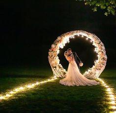 Um boa noite com muito amor ❤️ - World of Donvey Lary Luxury Wedding Dress, Sexy Wedding Dresses, Glamorous Wedding, Princess Wedding Dresses, Dream Wedding, Night Wedding Photos, Wedding Stage, Wedding Goals, Wedding Planning
