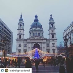 #Repost @isabelephantseal The cutest Christmas market in all the land. #Christmas #studyabroad #Budapest #ispyapi