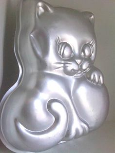 Vintage Cat Wilton 1979 Cake Pan Mold by Wildorchidss