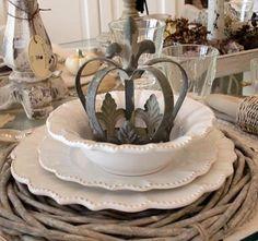Nice table setting,