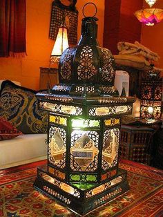 Look at this huge lantern from #Morocco!