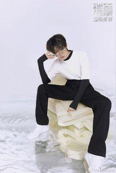 Going Seventeen, Seventeen Album, Lawley Kian, Seventeen Minghao, Won Woo, Seventeen Magazine, How To Pose, Pop Group, Pretty Boys