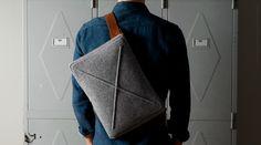 Keçeden ve deriden laptop çantası