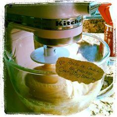 Preparing my oldfashion favorite Cinnamon Roll récipe ;-)  Preparando mi receta favorita de Roles de Canela