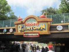 Disneyland California Disneyland Today, Disneyland Hotel, Disneyland California, Disney Trips, Disney Parks, Walt Disney, Christmas 2015, Holiday, Disney California Adventure Park