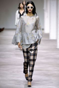 Dries Van Noten Spring 2013 RTW - Runway Photos - Fashion Week - Runway, Fashion Shows and Collections - Vogue Fashion Week, Runway Fashion, Fashion Show, Fashion Looks, Womens Fashion, Fashion Trends, Paris Fashion, Review Fashion, Spring Fashion
